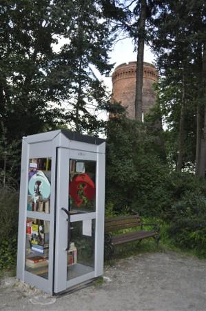 offene Bücher-Box im Obersee-Orankesee-Park